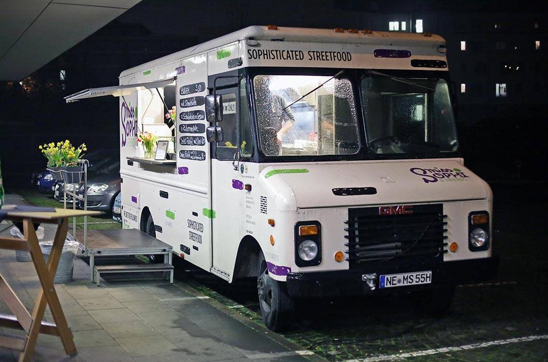 Food-Truck MISS SOPHI am Straßenrand